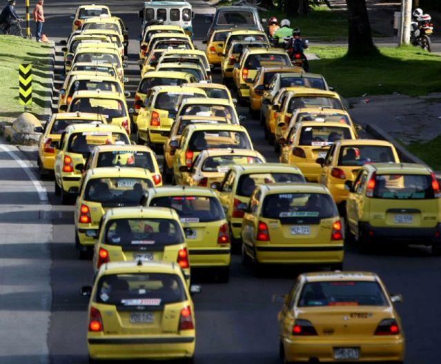En cambio de renuncia, depuración de taxistas violentos