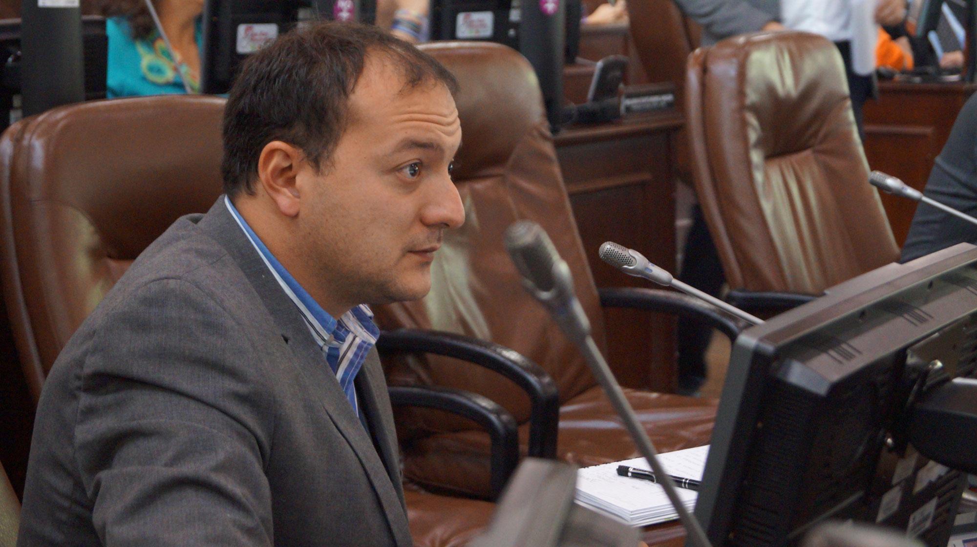 Capas medias de la ciudad las más afectadas por incremento del predial: Concejal Manuel Sarmiento