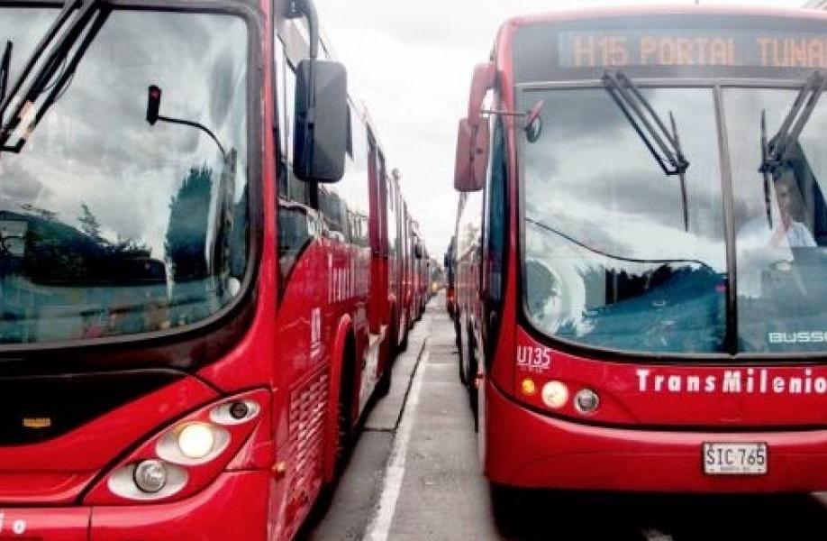 Concejales unidos exigen energías limpias en la renovación de buses de Transmilenio