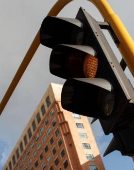 Luz roja para la modernización de semáforos en Bogotá